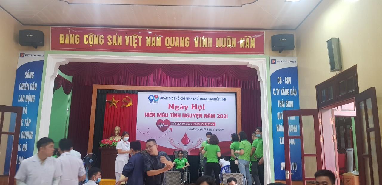 Chi Đoàn TNCS Hồ Chí Minh Công ty TNHH Bông Thái Bình tham gia hiến máu tình nguyện năm 2021, thắp hương tưởng niệm các liệt sĩ và thắp hương tại quảng trường Bác và nông dân kỷ niêm 90 năm thành lập đoàn thanh niên cộng sản HCM 26/03/1931 - 26/03/20